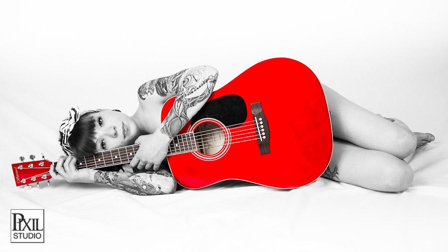 girl-guitar-portrait